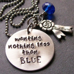 blue_necklace